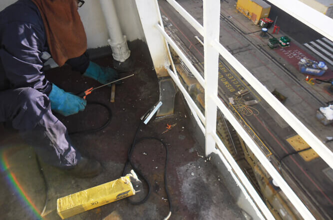Cruise ship balcony repairs